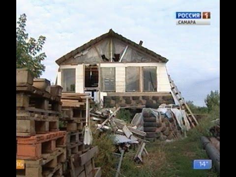 Семья из Самарской области возводит эконом-жилье из подручных средств