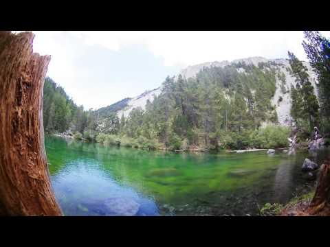 Timelapse Lac Vert Vallée étroite Hautes Alpes France