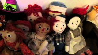 Meet the living room dolls!