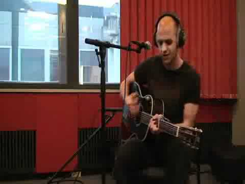 Milow - Ayo Technology live acoustic 2008  [ By milkstar ]