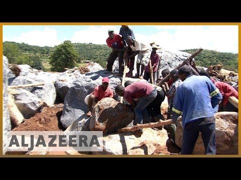 🇿🇼 Cyclone Idai: Families hunt for missing relatives in Zimbabwe l Al Jazeera English