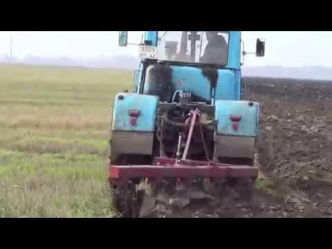 Скоростная вспашка тракторами