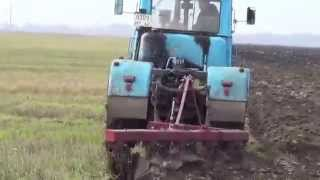 Скоростная вспашка тракторами Т-150К с плугом ПЛН-5-35.High-speed plowing tractor T-150K with plough