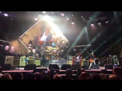 Foo Fighters with Joe Perry  Draw The Line  at CalJam 17