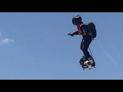 Real Hoverboard (Flyboard) Flying Around At The Beach