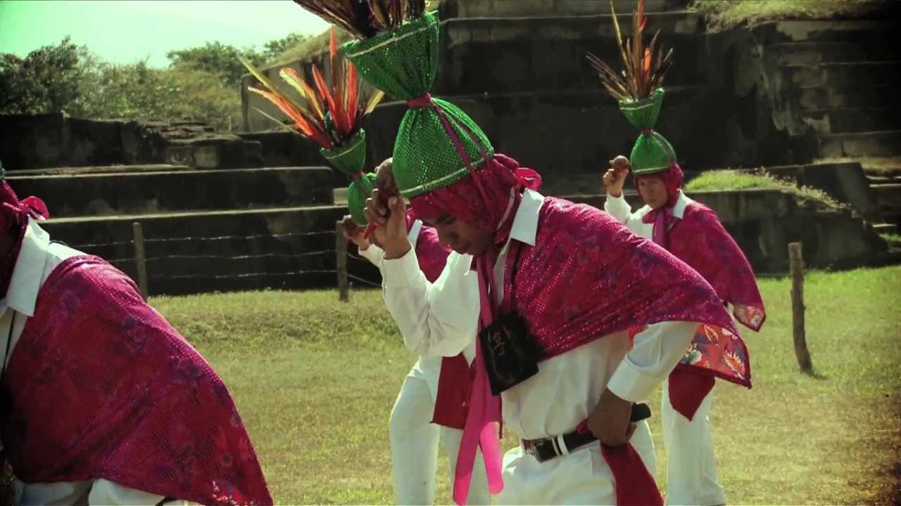 Ballet Folklórico Nacional de El Salvador - Los Emplumados de Cacaopera - YouTube