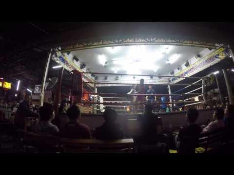French Thai Boxer Mathilde vs Thai