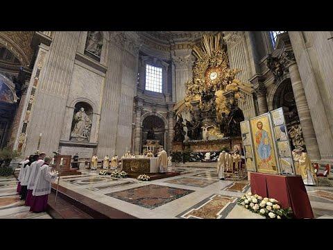 شاهد: قداس عيد فصح -خافت- في الفاتيكان في ظل موجة كوفيد-19 الثالثة…  - 06:57-2021 / 4 / 5