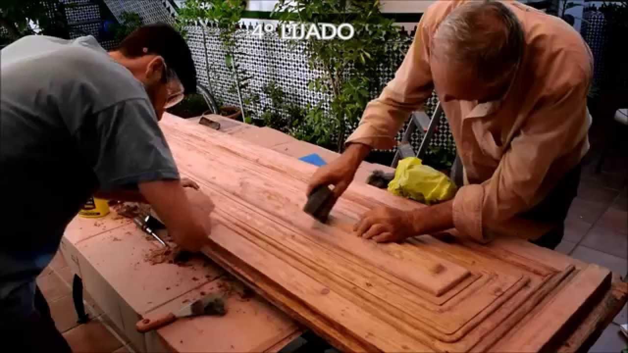 RESTAURACIÓN DE PUERTA EXTERIOR ANTIGUA - YouTube