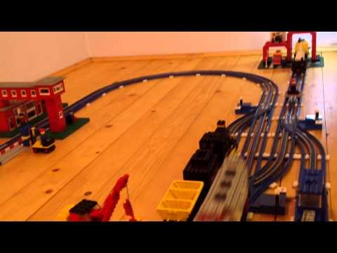 Legobahn 12V (blaue Bahn) SNCF Lok mit Transportwaggons