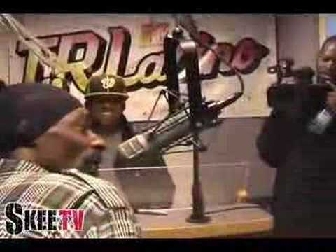 Snoop Dogg on TRL Latino Radio