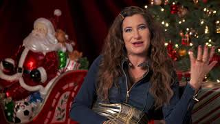 A Bad Moms Christmas - Itw Kathryn Hahn (official Video)
