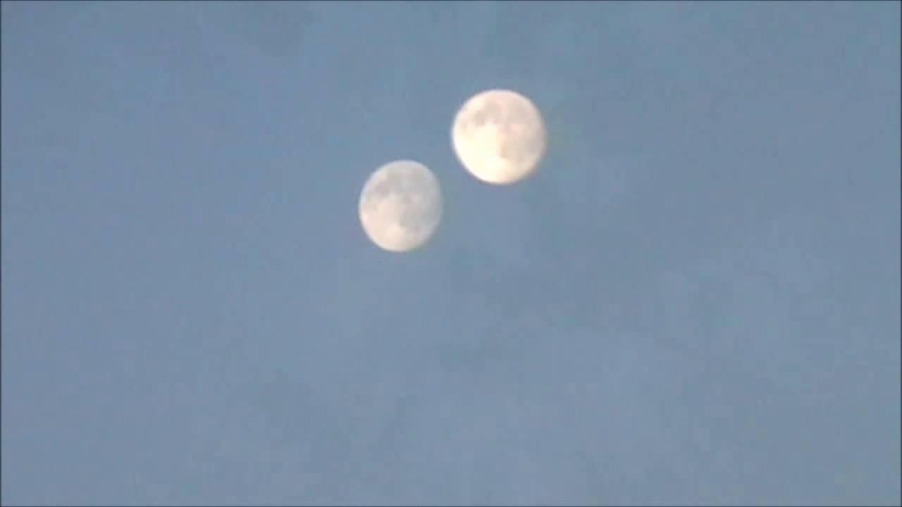 Il fenomeno delle due lune visibili in cielo