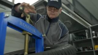Часть 2. Правильный ремонт шины, боковой порез с материалами Rossvik(Специалисты Rossvik детально раскрывают процесс двух этапного ремонта повреждения боковой части шины., 2016-12-30T05:09:24.000Z)