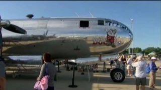 Aircraft enthusiasts descend on Oshkosh, WI for world