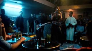 Выживут только любовники песня в баре