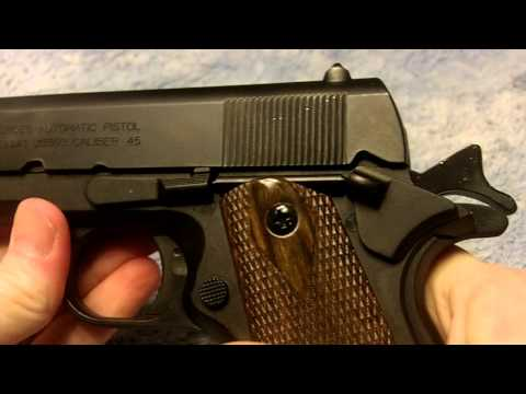 1911 non-firing replica / Colt 1911 and military holster
