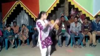 Bangla new videos 2016,বিয়ের গায়ে হলুদে মেয়েটির নাচ দেখে সবাই অবাক