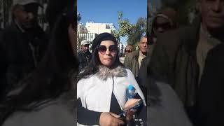 من أمام محكمة الأسرة الناس لي تضامنو مع ولاد الميلودي تاهموهم ببيع الماتش شوفو شنو واقع