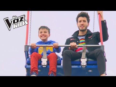 Juanse y Sebastián Yatra vivieron un día de aventuras en el parque de diversiones