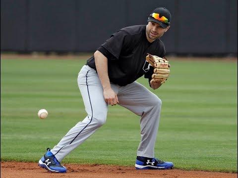 Yankees sign Neil Walker | Beat writer reaction
