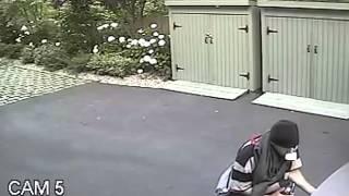 In flagrante delicto: Car break-in caught on video