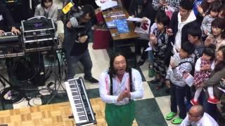 ロバート秋山があきる野ルピアで生ライブ TOKAKUKA.