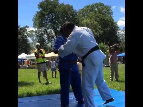 Shaunton Davis working judo