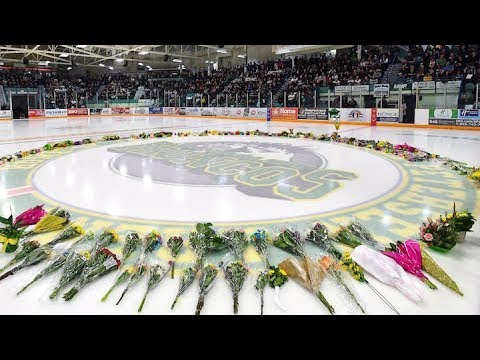 Humboldt Memorial Service Honours 16 Killed One Year After Broncos Bus Crash