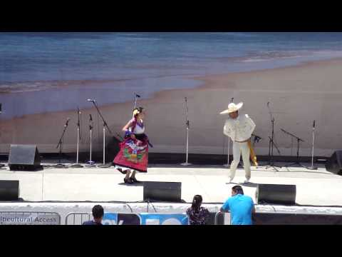 Mexican dance in Oceanside on cinco de mayo