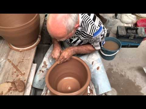 Making a big pot on the wheel