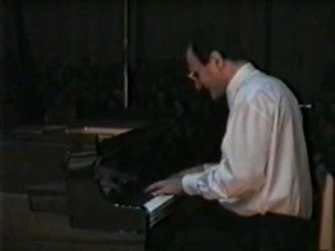 Igor Kamenz plays Liszt, Petrarca Sonett No 104