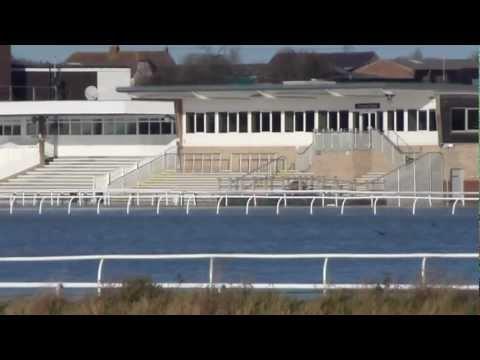 FLOODS AT HUNTINGDON RACECOURSE, CAMBRIDGESHIRE, UK - 25.11.2012