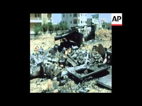 UNUSED 07 07 82 ISRAELI ARMOURED PARTROLS IN BEIRUT AS ISRAELI WAR ON LEBANON CONTINUES