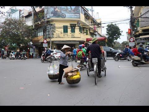 Old Town Hanoi - Echt krasser Verkehr / Trainstreet - wenn der Zug durchs Zimmer fährt / Nachtmarkt
