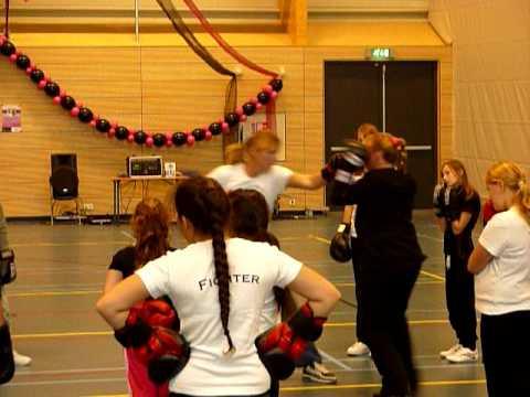 women fightclub girls event 28-10 deel 2