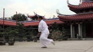 Master Daniel Tan   Tai Chi Sword  32 Yang Style
