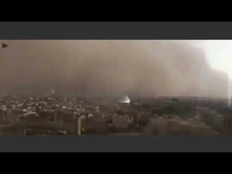 Apocalyptic sandstorm sweeps over Iranian city