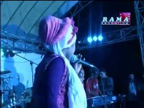 Tasya Rosmala terbaru (Sholatun Bissalam, AWAMIL Group Darut Tauhid Bangil)