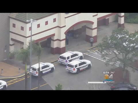 Fight Leads To Gunfire In Pembroke Lakes Mall