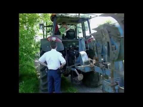 Blik op de Weg OFFICIAL - Fragment Jonge tractorbestuurder, ervaren of niet?