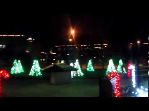 Musical Christmas Lights From The Festival Of Lights In Battle Creek Michigan 2013 Pt 1