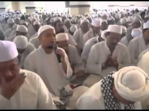 kh-muh.-arifin-ilham-@-dzikir-akbar-di-masjid-az-zikra