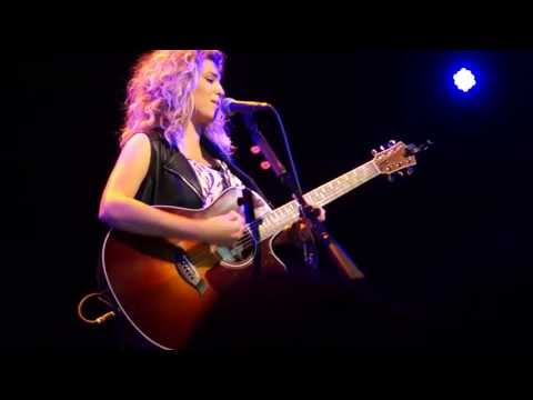 Tori Kelly - Celestial/Confetti (Live Acoustic at Lincoln Hall in Chicago)