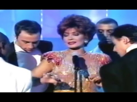 Shirley Bassey - Diamonds Are Forever (1997 Live)