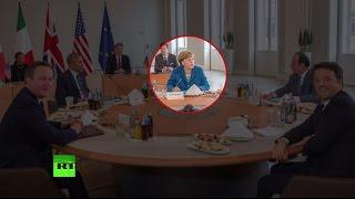 Попытка остаться на плаву  Меркель предложила запретить ношение мусульманской одежды