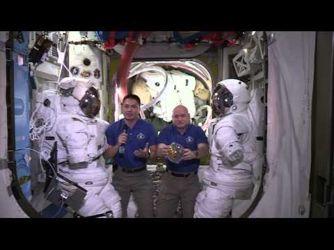 Space station crew members share experiences in space with Challenger Center students