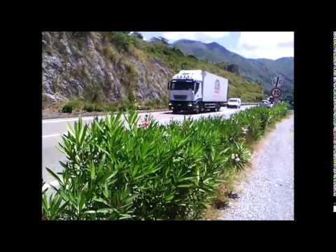 Il traffico dei mezzi pesanti sulla SS18, altezza Praia a Mare nord