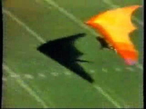 Hang Gliding into 1979 Cal-USC game 1