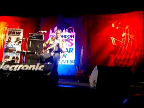 "Andrew Levy at London Bass Guitar Show 2013 ""You Are The Universe"""